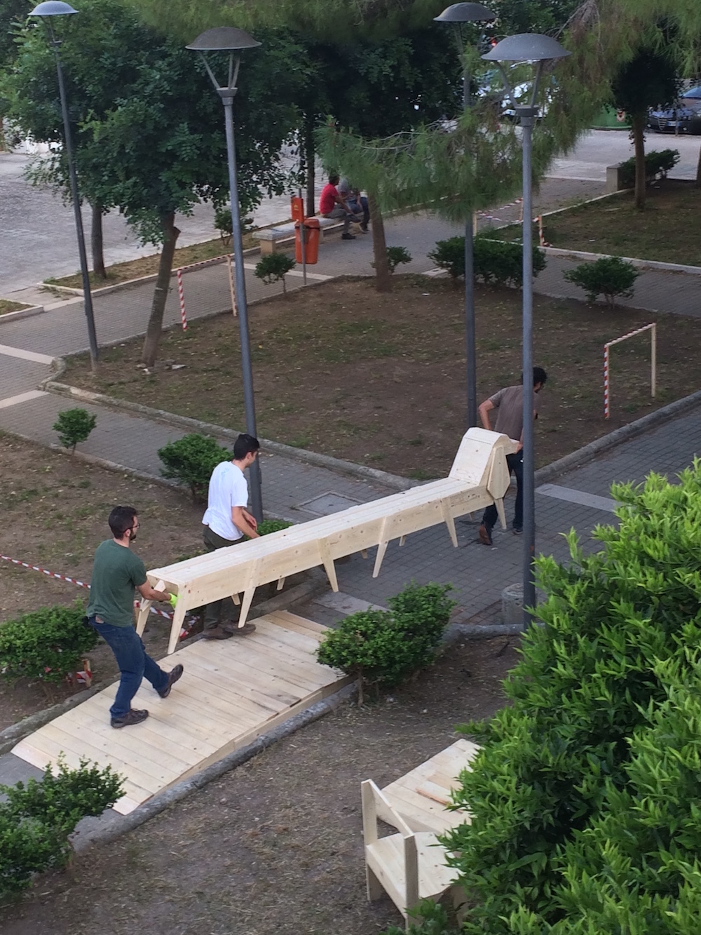 16 garden bench for the new dog run area - finding funny ways to approach dog owners to reflect on the ploblem of dog poops©Nayarí Castillo copy